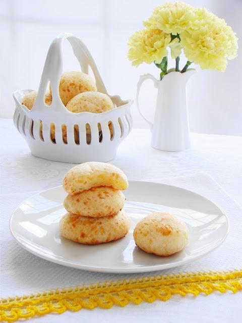 Pão de Queijo - Brazilian Cheese Bread | Brazilian Food | Pinterest ...