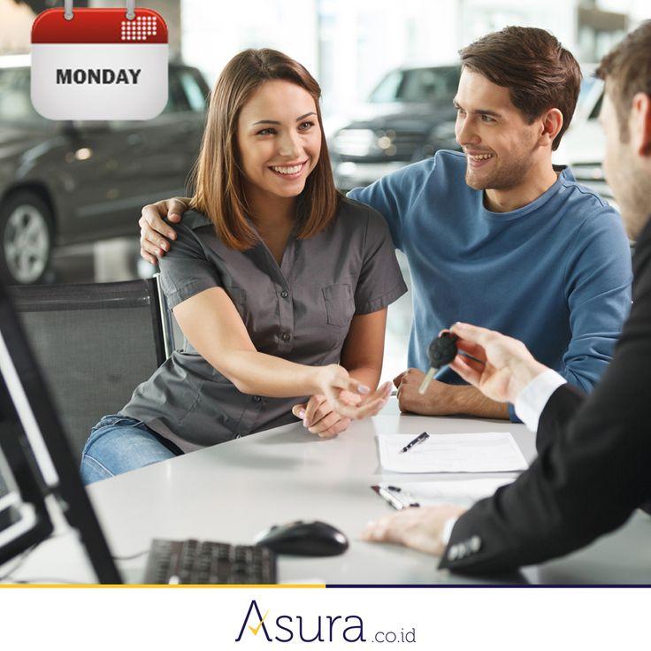 Jika Anda ingin membeli mobil, maka pilihlah hari Senin. Mengapa? Karena di hari Senin para team sales dan marketing sedang berusaha keras mengejar target bulanan sehingga proses bargaining akan jauh lebih mudah.