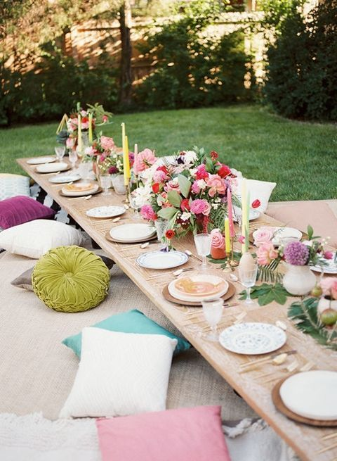 26 Gorgeous Tablescapes To Inspire Your End Of Summer Party