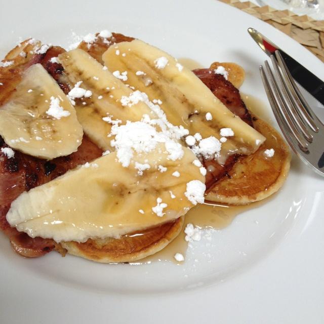 bacon pancake pancakes bananas fresh forward bacon pancakes drizzled ...