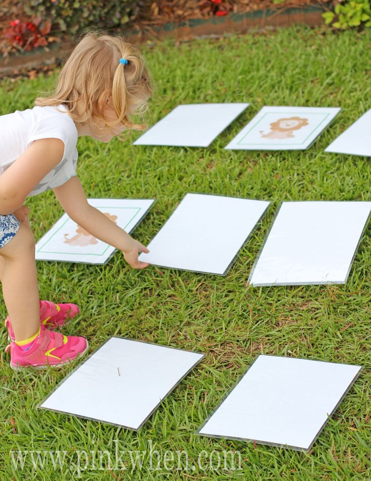 A giant sized Memory Matching Game that is HOURS of entertainment for the kiddos. Perfect Summer Outdoor Fun! Free Printables, laminate, PLAY!