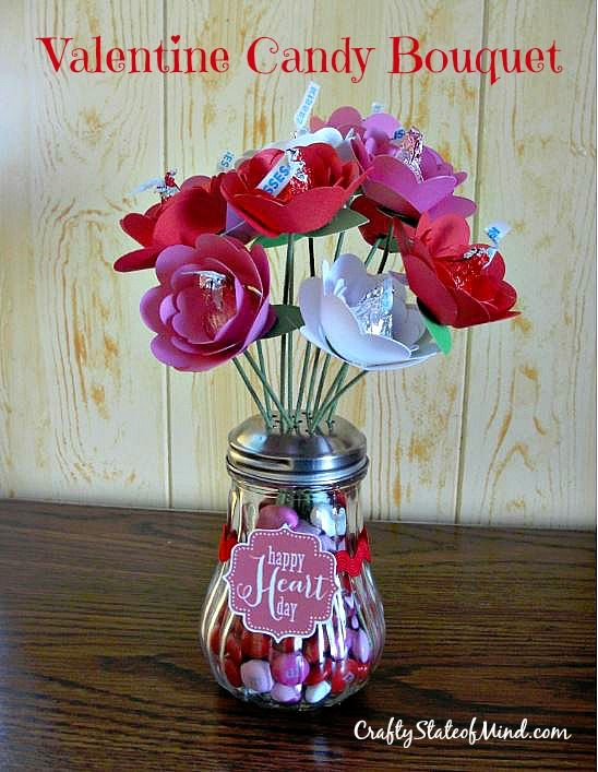 Looking for a unique gift to let someone know you care? Make them a Hershey Kiss Rose Bouquet.  Makes a great gift for anyone who loves chocolate.  (Please note that I no longer own craftystateofmind and have moved the post to my new blog.)