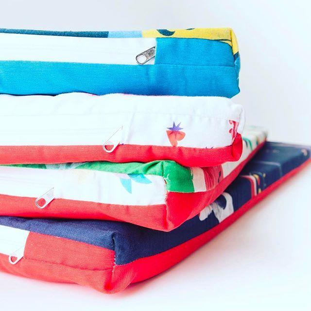 Mantas de juego acolchadas fabricadas y diseñadas en España🆙🆙🆙 para que tu bebé haga la croqueta sin peligros 🙈💫