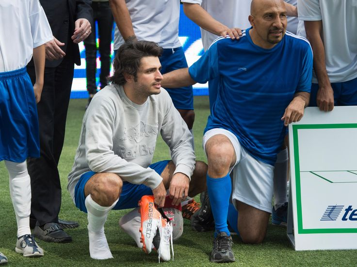 Carlos Sainz and Daniil Kvyat, ahead of the 2016 Mexican Grand Prix, took part in a 5-a-side football tournament, the Telcel Football 5 Game, which took place on a rooftop pitch in Mexico City.    #F1 #MexicanGP  #F1 #tororosso #kvyat #sainz #redbull #soccer #mexico #football   Full Scuderia Toro Rosso galleries on http://win.gs/str_galleries. Wallpaper download section on http://win.gs/str_download.