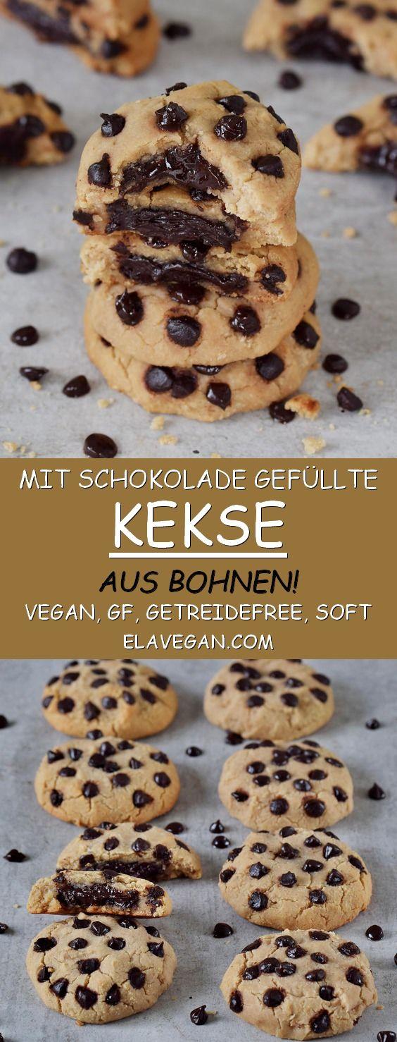 Leckere Kekse mit Schokoladenfüllung und Schokoladenchips. Das Rezept ist vegan…