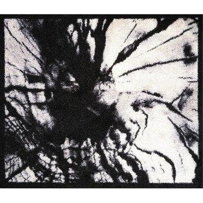 Skriver Collection Træstub Dørmåtte. Designet af Jane Skriver. Størrelse 65 cm x 75 cm, fremstillet i nylon med tekstil kant. Bagside: PVC fri genbrugsgummi.