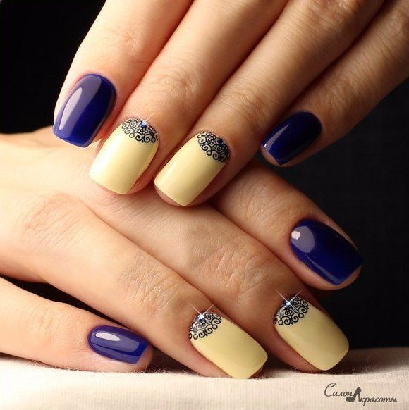 When you see a neatly executed manicure, it is difficult to look awayfrom it. Perfectly smooth gloss finish indigo and ivory, elegant designs and miniature