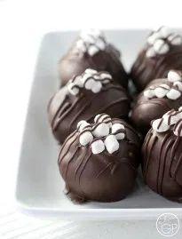 Käsekuchen-Trüffel der heißen Schokolade 7e784e8c95542ac4bcab06d7445a8331