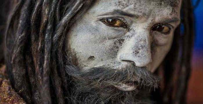 Η ΜΟΝΑΞΙΑ ΤΗΣ ΑΛΗΘΕΙΑΣ: Οι τρομακτικοί μοναχοί Aghori: Τρέφονται με ανθρώπ...