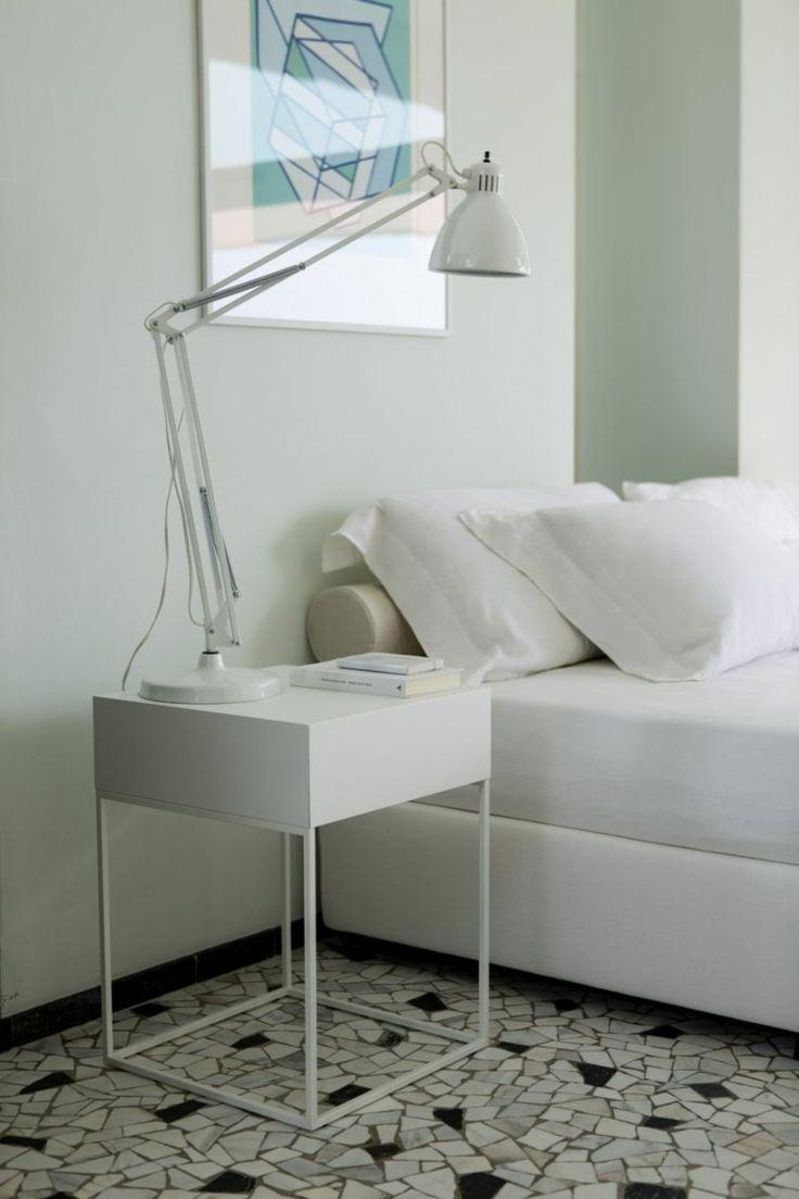 M s de 1000 ideas sobre mesitas de noche blancas en - Mesitas de noche modernas blancas ...