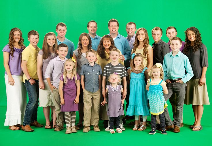 Get to know Michelle and Jim Bob Duggar's extra-large Arkansas brood featured on TLC's 19 Kids and Counting
