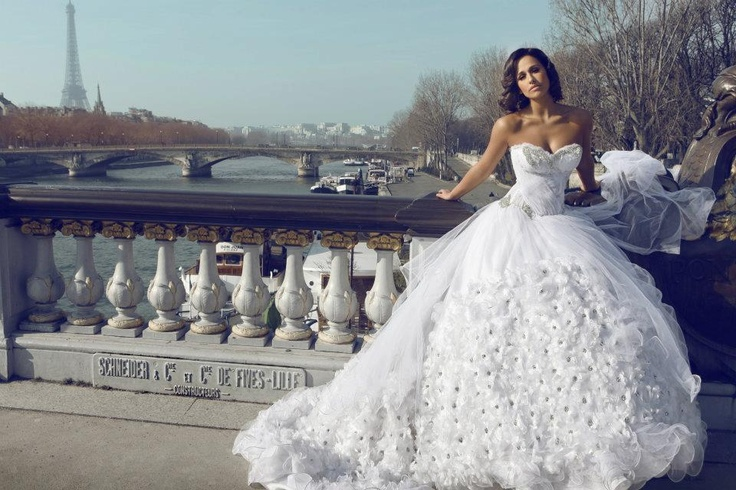 Wedding dress from Micaela Oliveira - Modelling is Rita Pereira