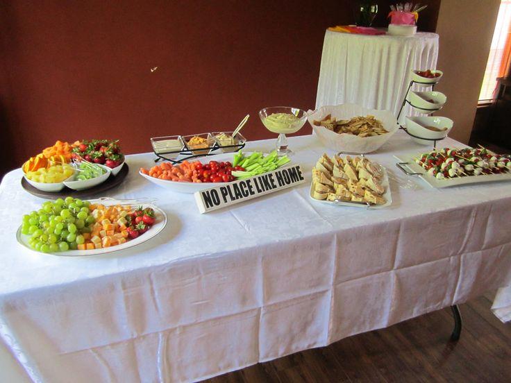 Housewarming party buffet table housewarming party for Creative housewarming party ideas