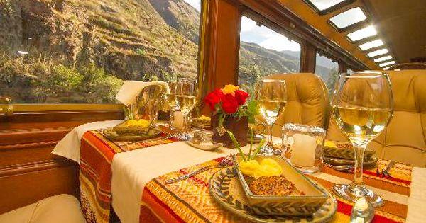 Inca Rail - uma viagem de luxo pelo Peru Viaje no trem Inca Rail da estação de Ollantaytambo a Águas Calientes (Machu Picchu)  Primeira Classe 30 passageiros por vagão. Serviços a bordo: bebida de boas vindas, delicioso menu gourmet acompanhado de vinho, sucos, café ou chás. a partir de US$ 162,- por pessoa  Classe Executiva 42 passageiros por vagão. Serviços a bordo: sucos de frutas, chás ou café. a partir de US$ 110,- por pessoa
