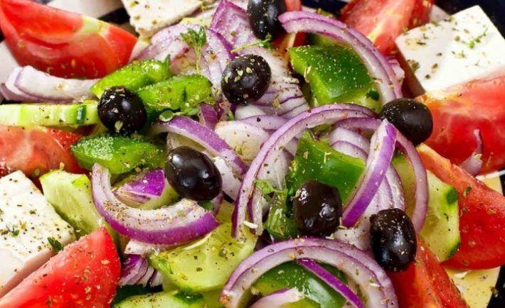 Konečne som našla recept na originálny grécky šalát. V tejto podobe sa podáva priamo v Grécku.