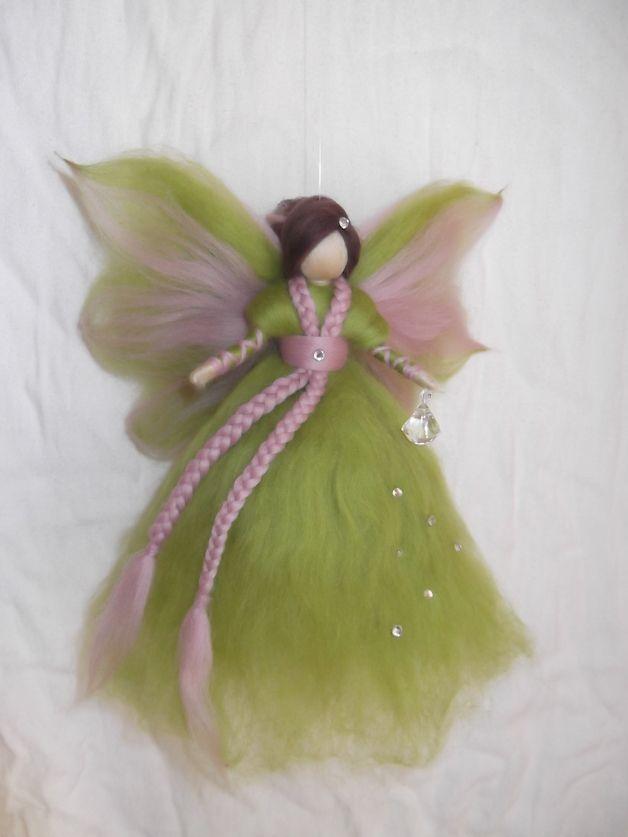 Kinderzimmerdekoration - Schutzfee aus Märchenwolle - ein Designerstück von sommerli bei DaWanda