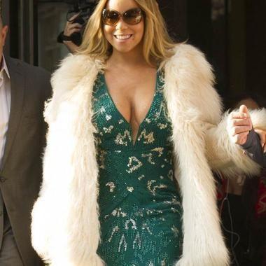 Mariah Carey's Cougar Cleavage Show