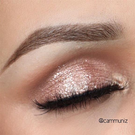 Pink Sparkle by @cammuniz I #pampadour #eotd #inspiration #sparkle #makeup #beauty #eyeshadow