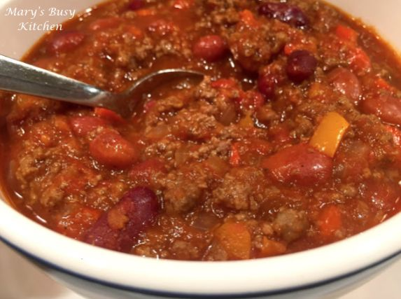 Hearty & Healthy Chili Con Carne – gluten free – Mary's Busy Kitchen. Allergy friendly recipe. Lean ground beef or ground turkey, beans and spices. WW points.