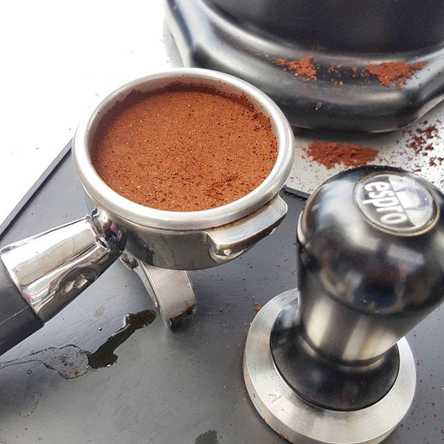 Those precious moments before the grind becomes something amazing... #pedalsespresso #coffee #grind #barista #baristalife #shots #grouphhead #macap #grinder #tamp #coffeetamp #beautiful #precious