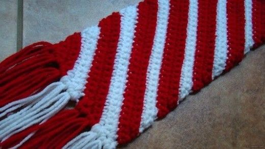 Candy Cane Scarf FREE crochet pattern