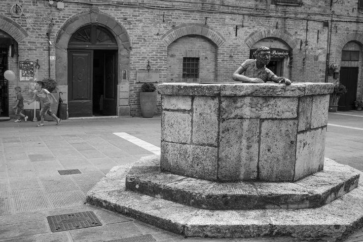 piazza centrale di Casole d'Elsa - Main Square in Casole d'Elsa