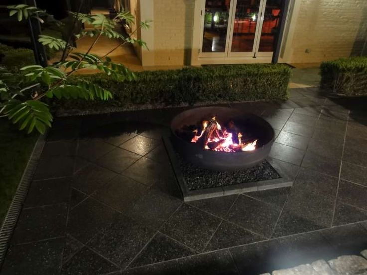 Ebony 400x400 paving , Exposed Aggregate and sealed