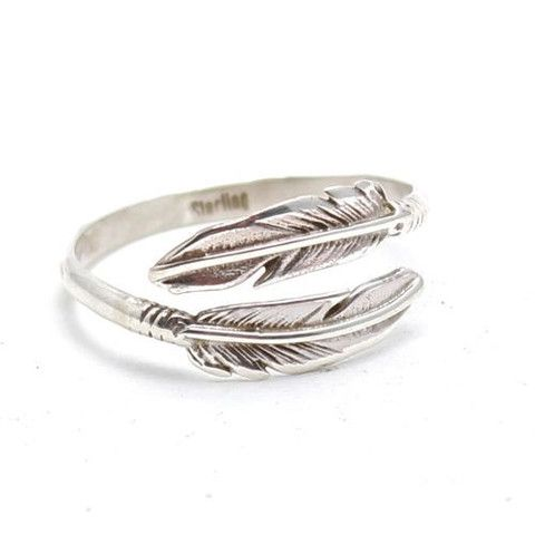 >> Navajo Native American Ring  >> Sterling Silver Feather Design >> Adjustable to fit as all sizes  >> Feathers are symbols of prayers, marks of honor or sourc