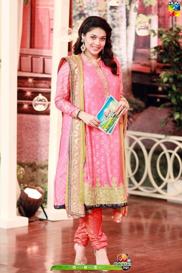 #SanamJung on Jago Pakistan Jago Eid Speial 2016 Zindagi Kitni Haseen Hai Film Cast