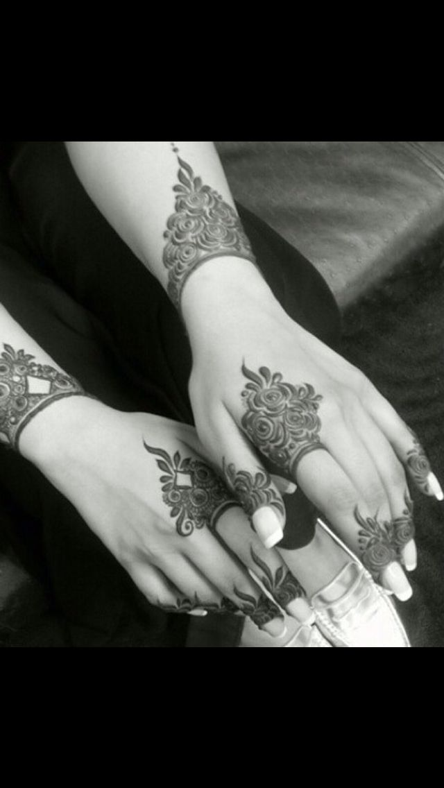 Love how it's intricate yet simple at the same time, engagement mehndi?