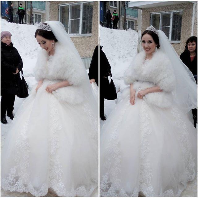 Моя любимая девочка @olga_holodnaya сегодня самая лучшая невеста в мире😍 Родная моя, желаю вашей будущей семье огромной любви, процветания, что бы в доме всегда не стихал детский смех😆 Люблю вас сильно сильно #свадьба_холодной