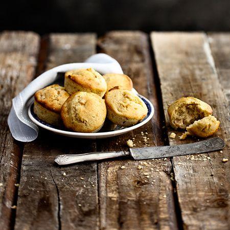 Kermainen Omar ja hapahko omena sujahtavat muffinitaikinaan!