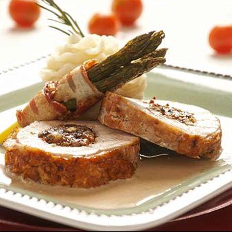 Receta: Pechuga de pavo rellena con frutos secos y salsa de oporto | De buena mesa