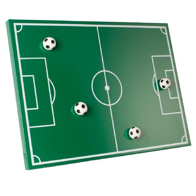 Magnetisch memobord Voetbalveld met leuke voetbalmagneten. Dit moet je als voetballiefhebber in huis hebben! Bepaal je tactiek, of... plak er je memo's of notities op. Ook erg leuk als cadeau voor je voetballende kinderen!