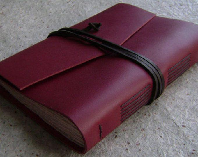 """Diario de cuero hechos a mano, 5.5 """"x 7.5"""", rojo, rústico viejo mundo cuero journal, diario de viaje, cuaderno de cuero, (2384)"""