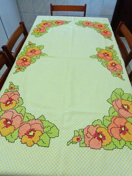 Bordado em tecido xadrez - Toalha de mesa
