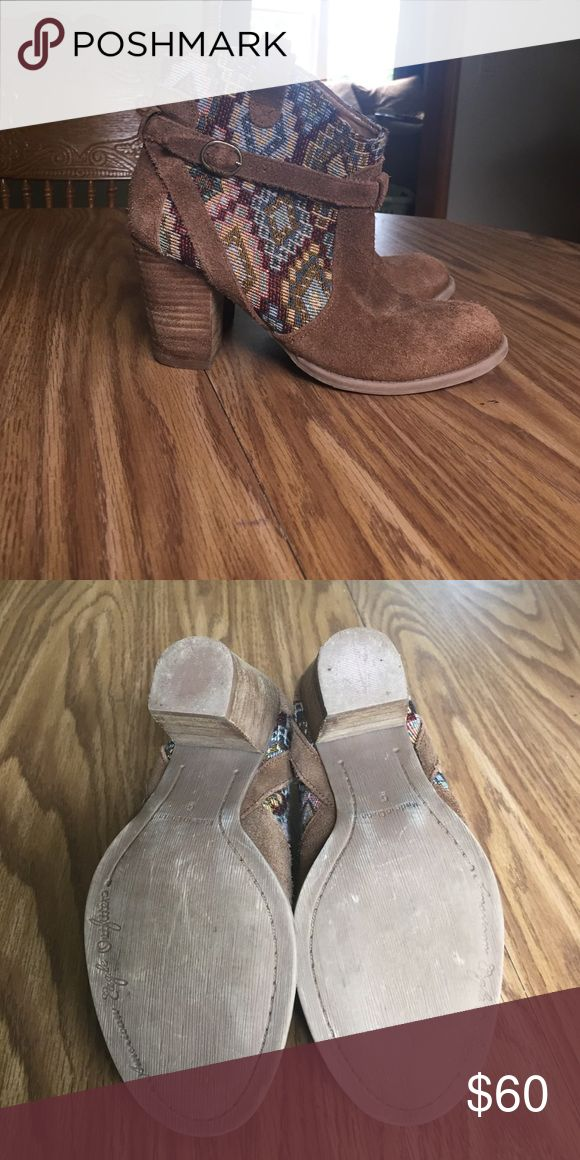 American Eagle Outfitter boots American Eagle boots. Size 6. Only worn once American Eagle Outfitters Shoes Ankle Boots & Booties