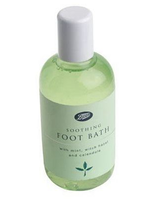 #Boots Soothing Foot Bath - 150ml 10004197 #12 Advantage card points. Boots Pharmaceuticals Soothing Foot Bath with mint, withc hazel and calendula.Always read the product information before use. FREE Delivery on orders over 45 GBP. (Barcode EAN=0000002458144)
