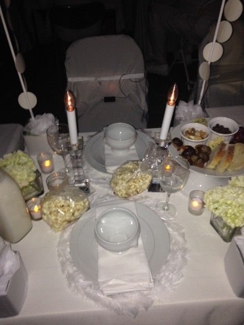 Diner en Blanc table design from shannonqualls.com