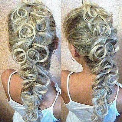 Pin curl Mohawk