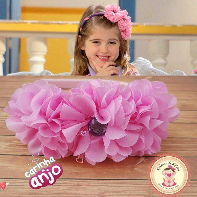 Olhem só o que temos de novidade por aqui😍😍😍😍😍😍😍😍😍❤❤❤❤❤ isso mesmo!!! Tiara inspirada na novelinha #carinhadeanjo Feitas apenas por encomendas 61991445486 #laçosbrasilia #Gravidez #enxoval #lacinhos #enxovalpersonalizado #enxovaldeluxo #cut #LoveLacos #tiaras #InstaKids #InstaBaby #acessoriosinfantil #acessorios #instalike #Recemnascidos #cute #welovedlike #handmade #maedemenina #fashionKids #hairbow #bow #amolaços #newborn #newbornbaby #mimosdaElisa2015