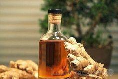 Имбирная настойка прекрасно восстанавливает зрение, полезна при ангине и простудных заболеваниях. Так же является отличным профилактическим средством, очищая кровь и повышая защитные свойства организма. Ингредиенты: — 250гр корня имбиря — спирт или водка — 2 чайные ложки меда Корень имбиря промыть, почистить и нарезать на пластинки. Все сложить в стеклянную баночку, залить водкой и закрыть […]