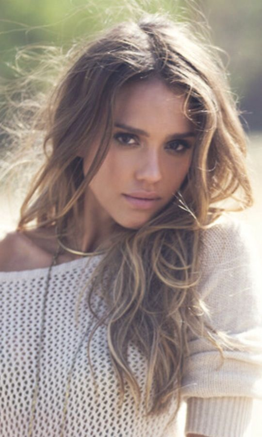 Jessica Alba again but she's beautiful so whatever.