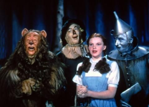Still of Judy Garland, Ray Bolger, Jack Haley and Bert Lahr in The Wizard of Oz (1939http://www.movpins.com/dHQwMDMyMTM4/the-wizard-of-oz-(1939)/still-850496000