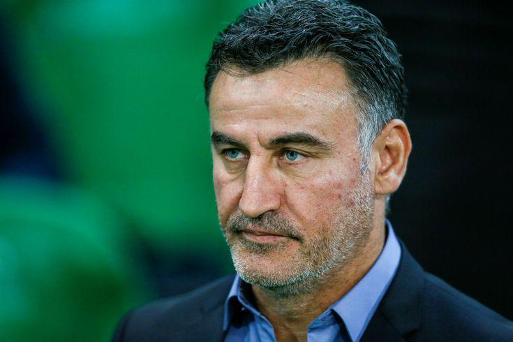 Le tumultueux épisode Anthony Mounier a pris fin dans la confusion dans le Forez. L'AS Saint-Etienne n'a finalement pas enrôlé l'ancien milieu de terrain de l'Olympique Lyonnais, mais Christophe Ga...