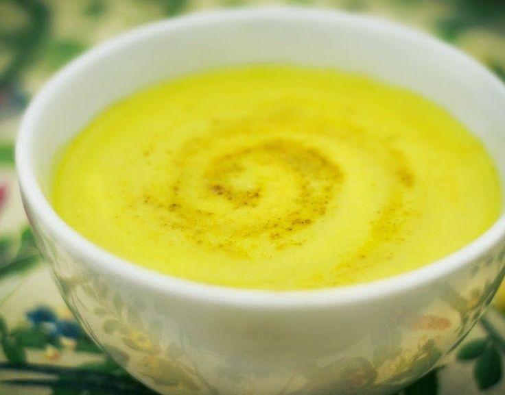 Sopa de Couve-Flor, Curry, Maçã e Açafrão (vegana)