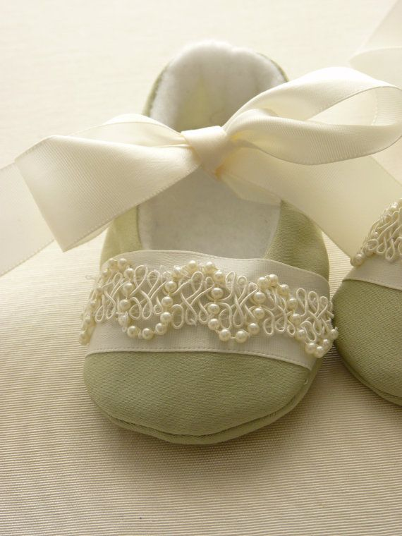 Handmade Pale Green Special Occasion Baby Shoes by cottagecloset, $24.00