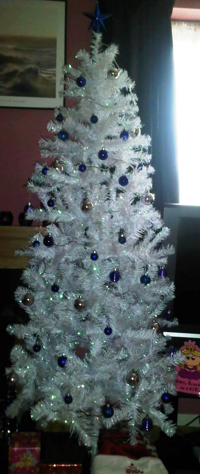 Christmas tree decorated with tinsel - White Christmas Tree Decorations Here Is A Picture Of My White Christmas Tinsel Tree With