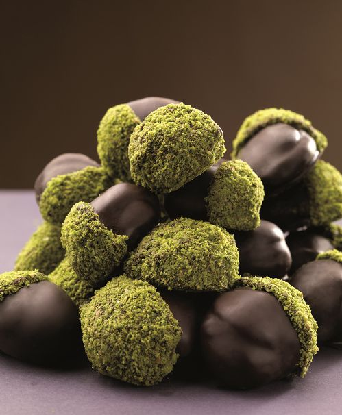 Tutkunun mutlulukla kaplanmış hali. Çikolata kaplı kestane henüz denememiş olanlar için çok özel bir lezzet.