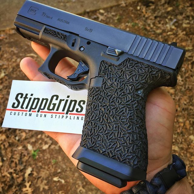 Dat grip doe.Loading that magazine is a pain! Get your Magazine speedloader today! http://www.amazon.com/shops/raeind